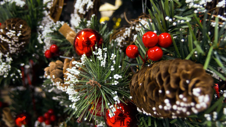 Ideas y tendencias a la hora de decorar el árbol de Navidad 5