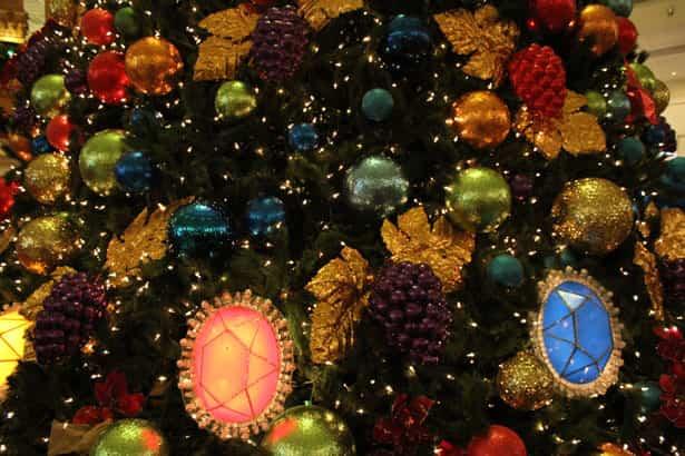 Ideas y tendencias a la hora de decorar el árbol de Navidad 6
