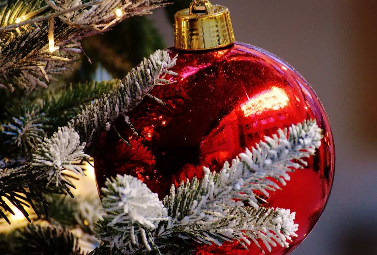 Ideas y tendencias a la hora de decorar el árbol de Navidad 8