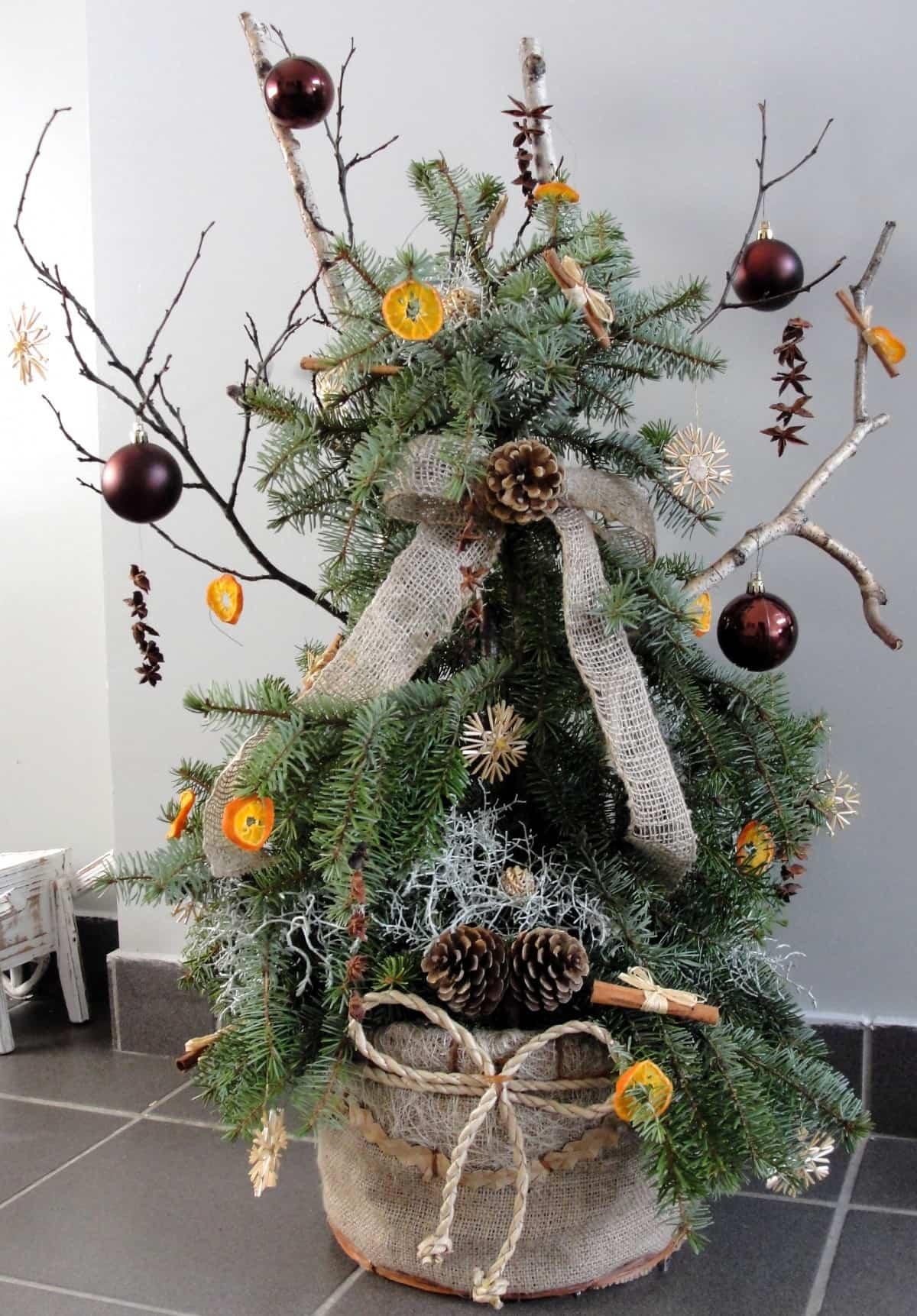Ideas y tendencias a la hora de decorar el árbol de Navidad 12