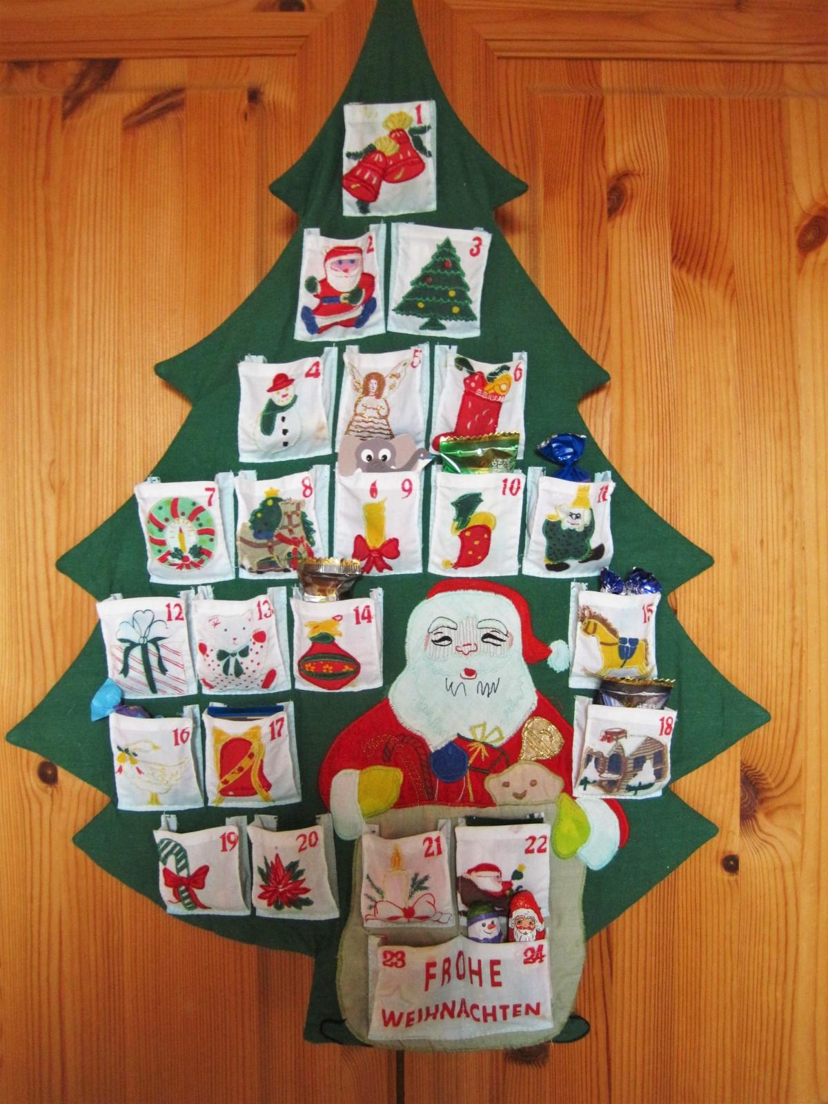 Ideas y tendencias a la hora de decorar el árbol de Navidad 16