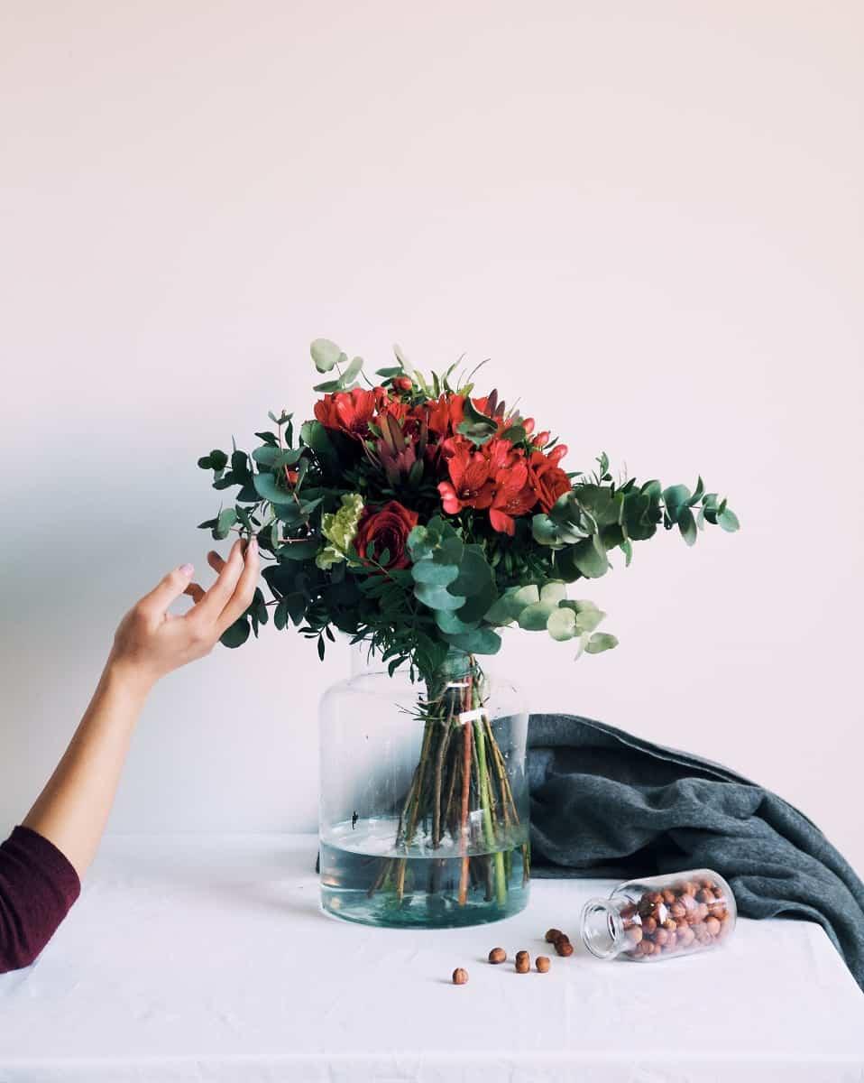 Decorar el dormitorio con flores 1