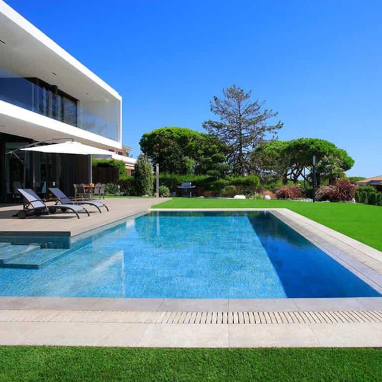 Claves para poner a punto tu piscina y disfrutarla a tope este verano