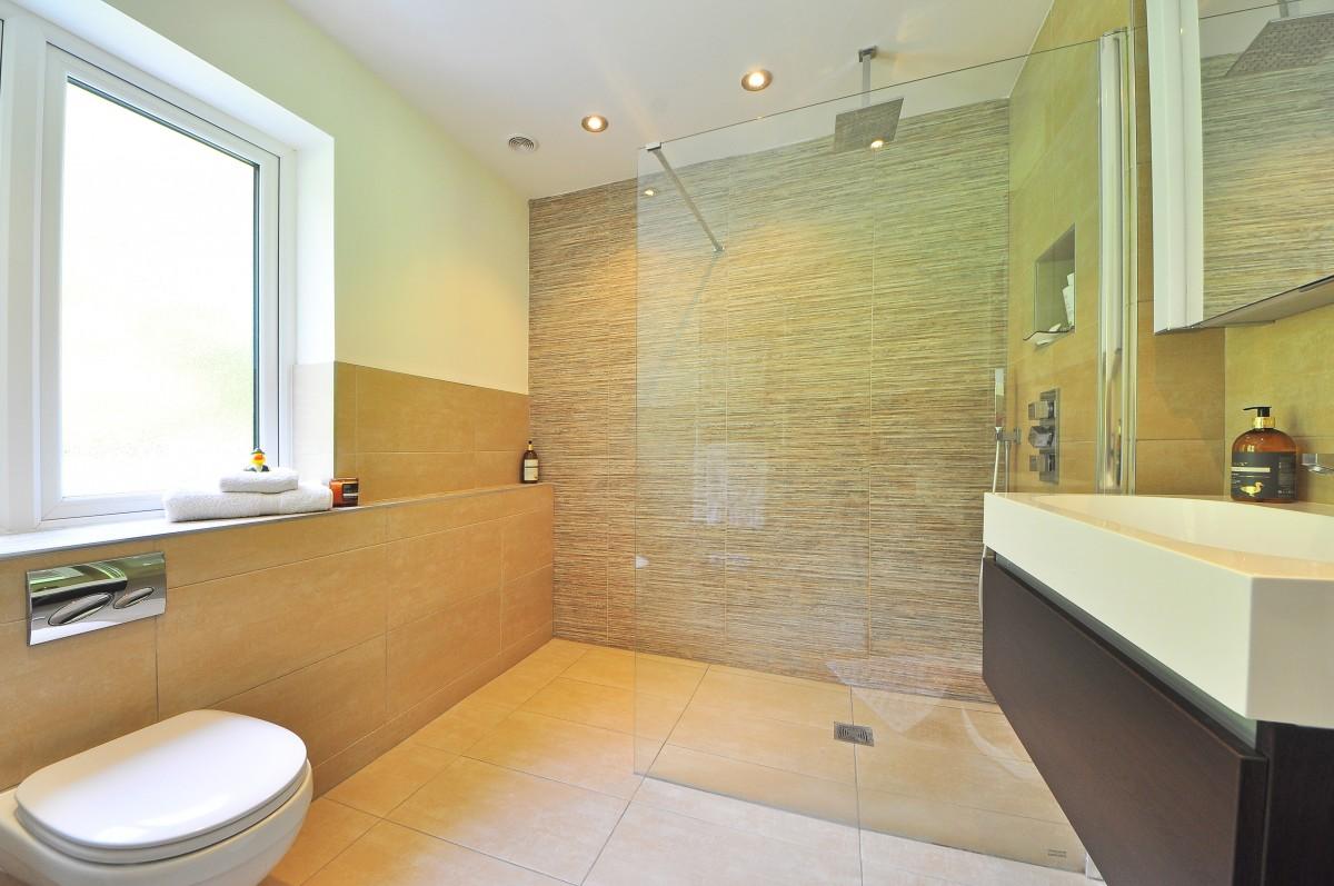 Consejos para una decoración moderna en el baño 2