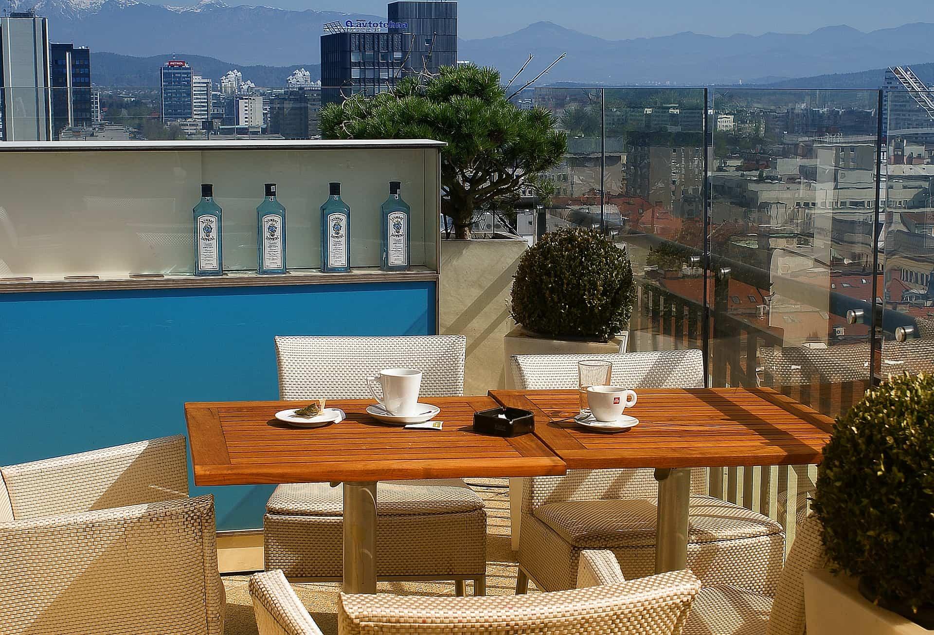 decorar terrazas estrechas