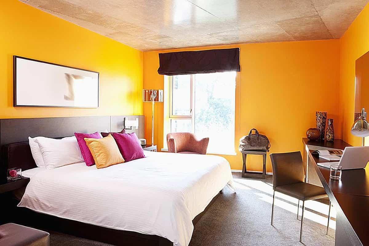 8 ideas de color para un dormitorio naranja 1