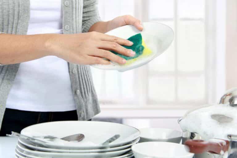 Lava los platos con mayor eficacia