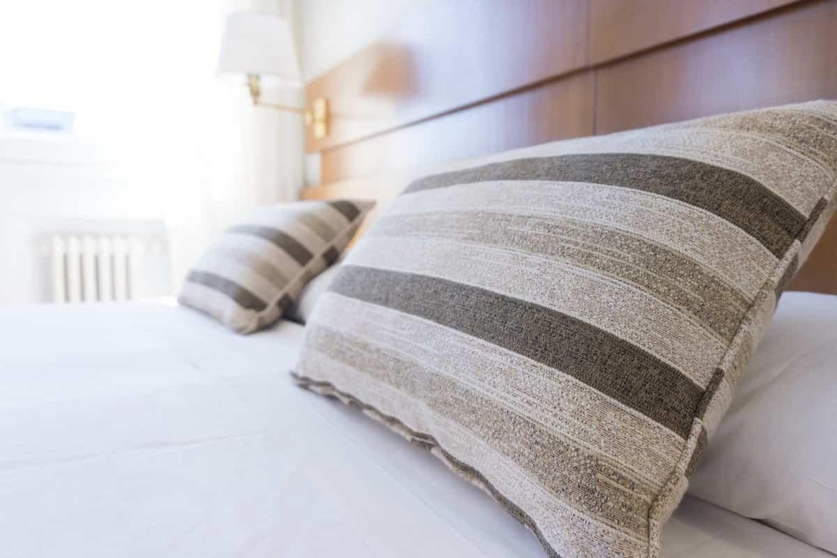 Cómo organizar un dormitorio pequeño sin nada de desorden 1