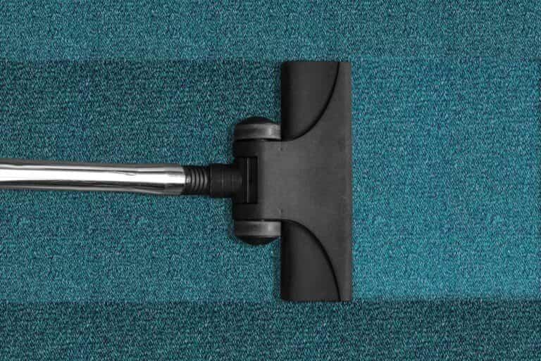 Cómo aplanar correctamente una alfombra