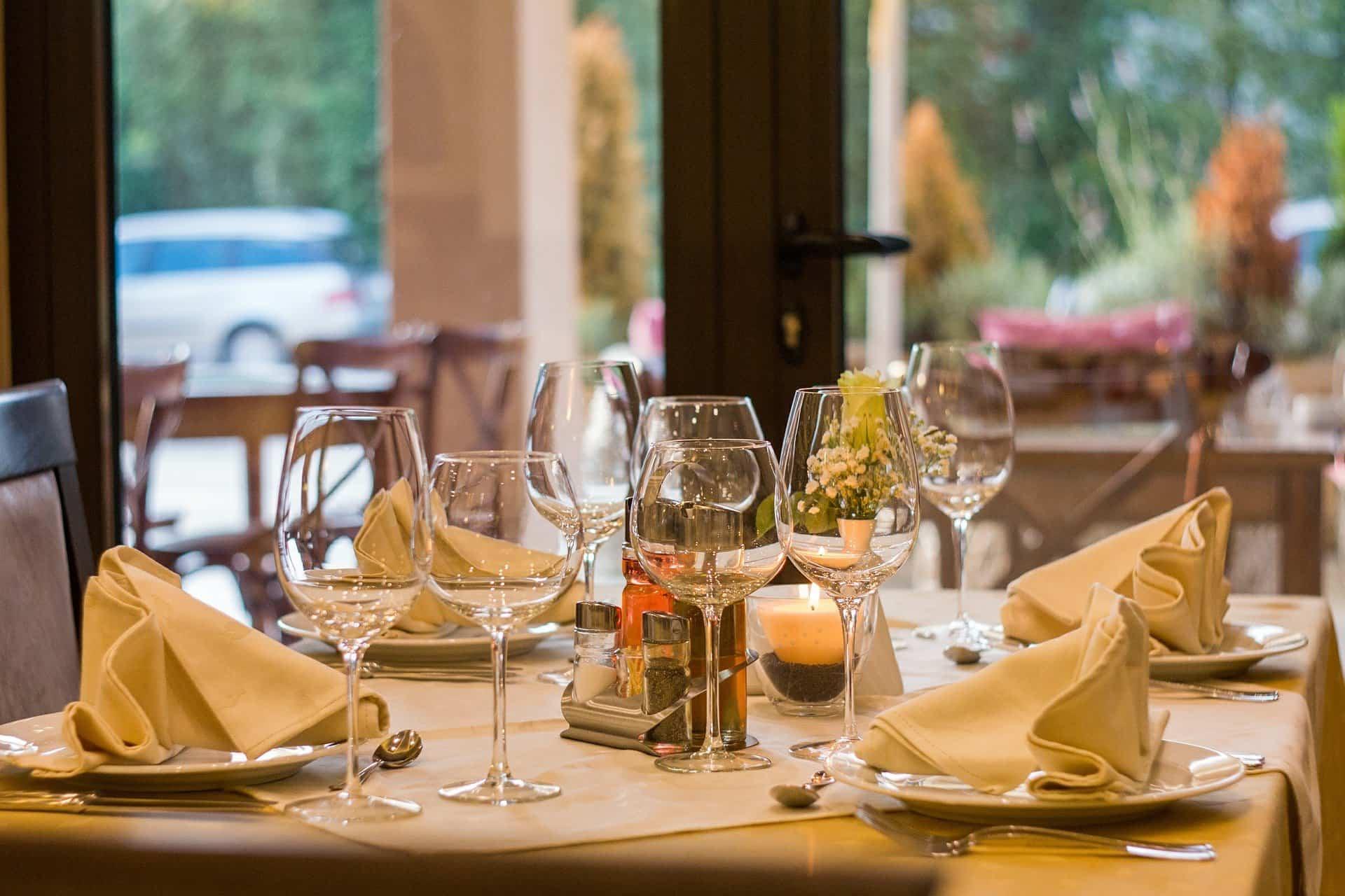 Ideas para decorar la mesa y hacerla funcional y elegante
